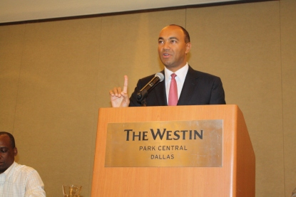 Gatanga MP Peter Kenneth addresses a forum in Dallas, Texas over the weekend