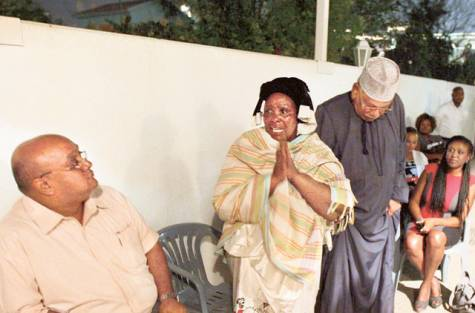 Kenyan assault victim Esther Wanjiru Mwikamba's mother Hannah thanks the Kenyan community at a farewell ceremony at the Kenya Consulate, Dubai.